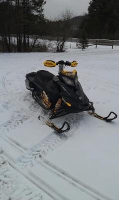 Picture of 2010 Ski-Doo MXZ X 800