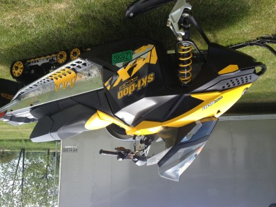 Picture of 2010 Ski-Doo MXZ 600