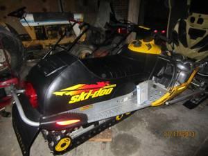 Picture of 2001 Ski-Doo MXZ 700